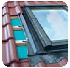Těsnící lemování pro pro okna se zvýšenou osou otáčení profilované krytiny EZV-A FAKRO