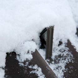 Sněhové zachytávače do taškových plechových krytin